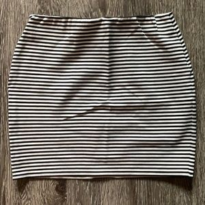 Black & white stripe mini skirt